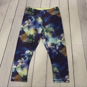 4/$30 🌷 Blue Floral Printed Knee Length Pants